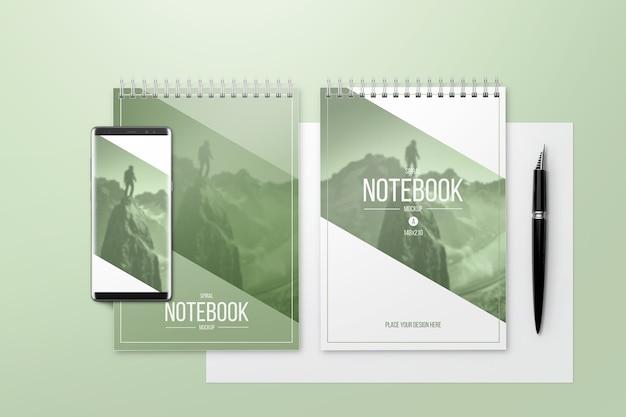 Maquete de notebook criativo