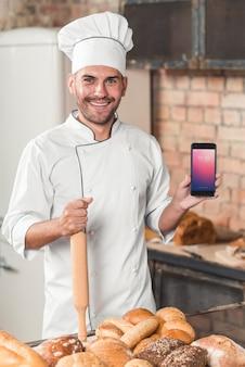 Maquete de padaria com smartphone