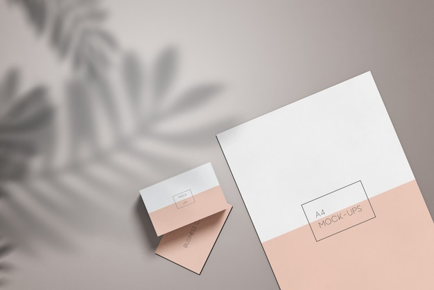 Maquete de papel a4 e cartão