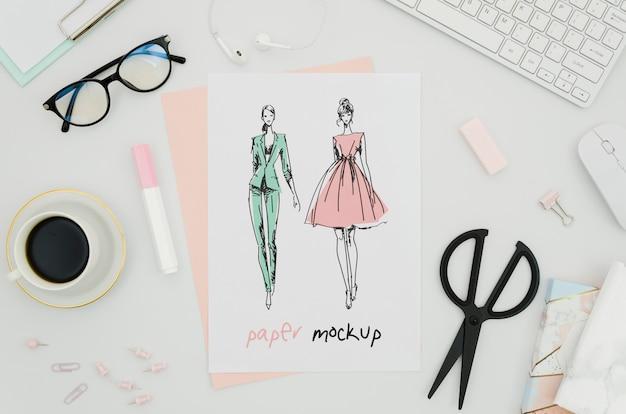 Maquete de papel com vestidos