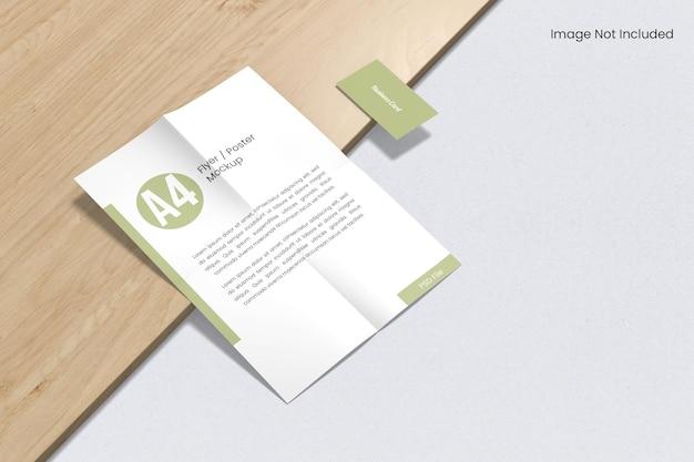 Maquete de papelaria de marca na madeira
