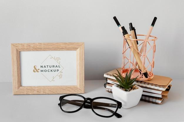Maquete de papelaria de material natural