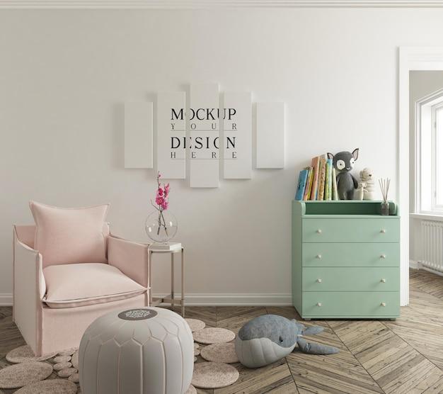 Maquete de parede e maquete de pôster no lindo quarto do berçário