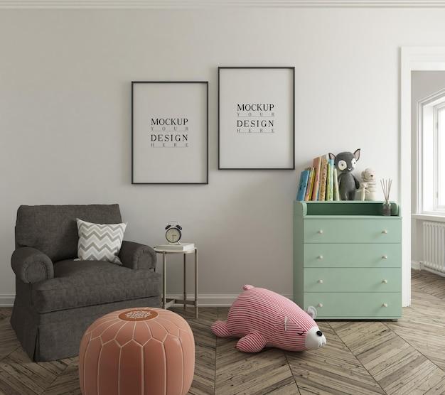 Maquete de parede e maquete de quadro de pôster no lindo quarto do berçário