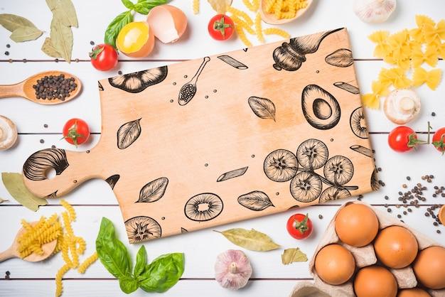 Maquete de placa de madeira com conceito de comida saudável