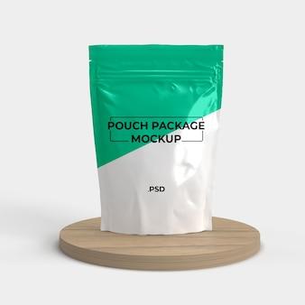 Maquete de plástico de bolsa com suporte de madeira