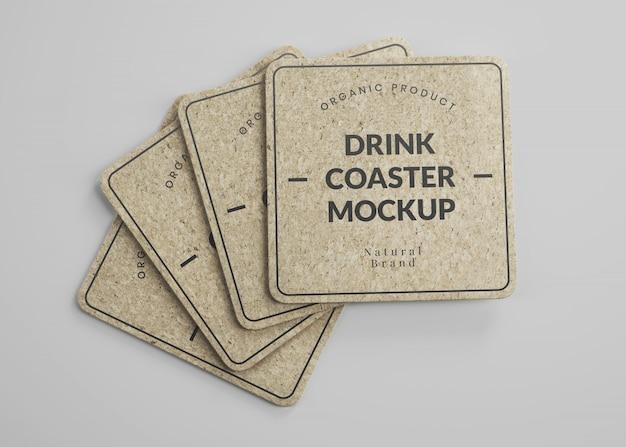 Maquete de porta-copos quadrados de cortiça para bebidas com arestas redondas em vista isométrica