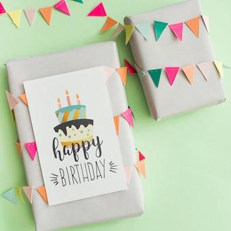 Maquete de presente de aniversário