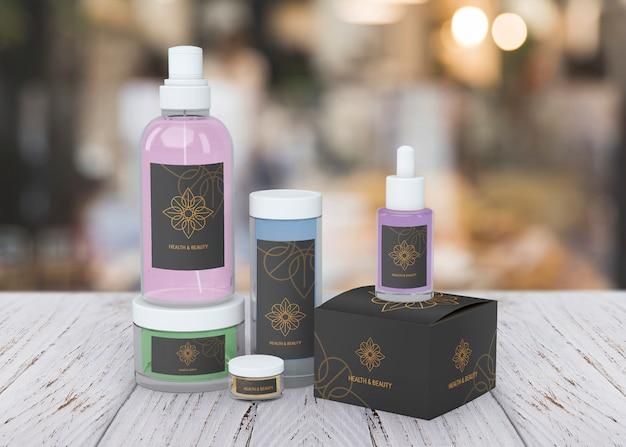 Maquete de produtos de beleza no fundo desfocado