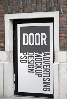 Maquete de publicidade de porta