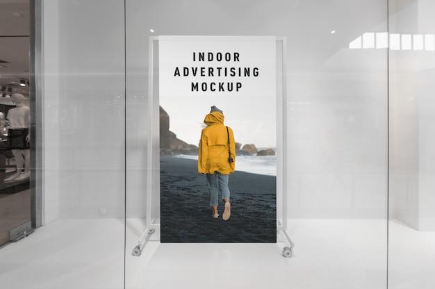 Maquete de publicidade interna dentro de centro comercial de shopping