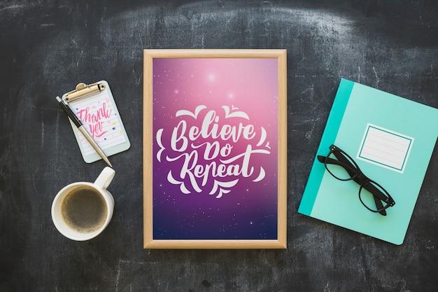 Maquete de quadro com café