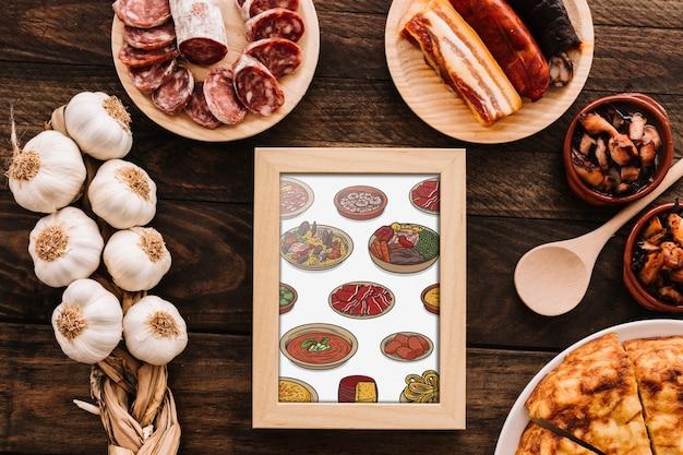 Maquete de quadro com comida tradicional espanhola