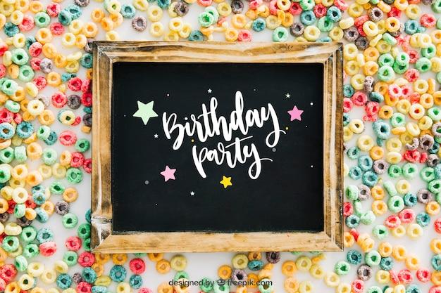 Maquete de quadro com design de aniversario