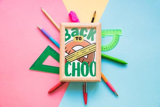 Maquete de quadro com volta ao conceito de escola