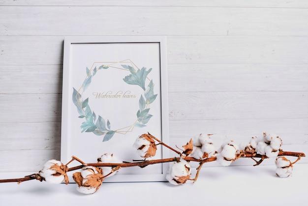Maquete de quadro de primavera com elemento de algodão natural