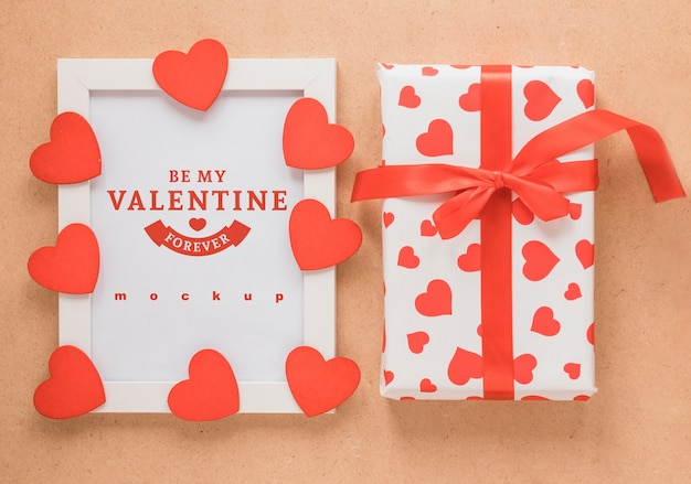 Maquete de quadro e presente para dia dos namorados