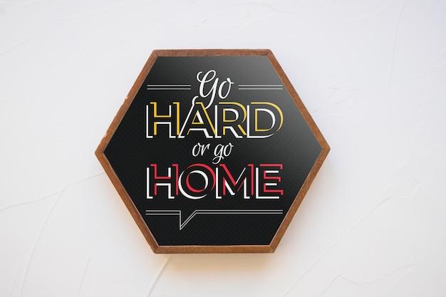 Maquete de quadro hexagonal com o conceito de citação