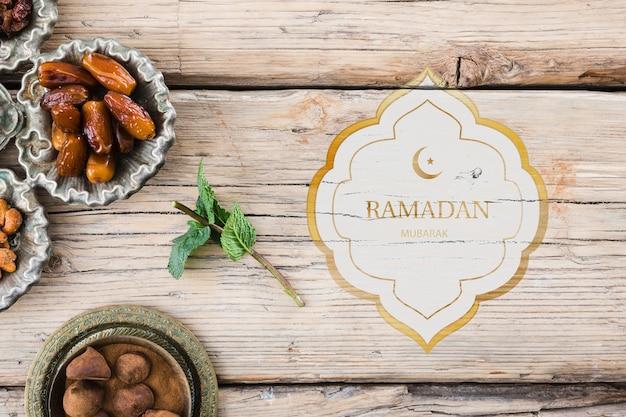 Maquete de ramadan plana leigos para logotipo