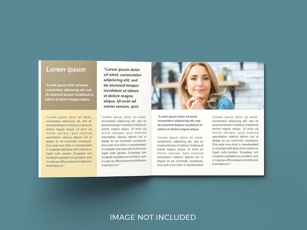Maquete de revista de quadrado de página aberta