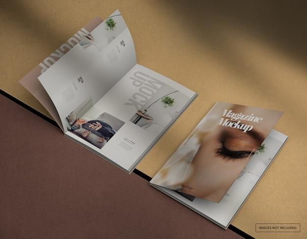 Maquete de revista fotográfica realista com páginas internas e design de capa