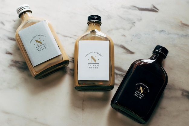 Maquete de rótulos de garrafa de líquido
