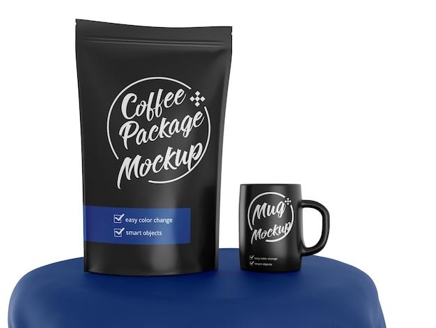 Maquete de saco de pé fosco com xícara de café
