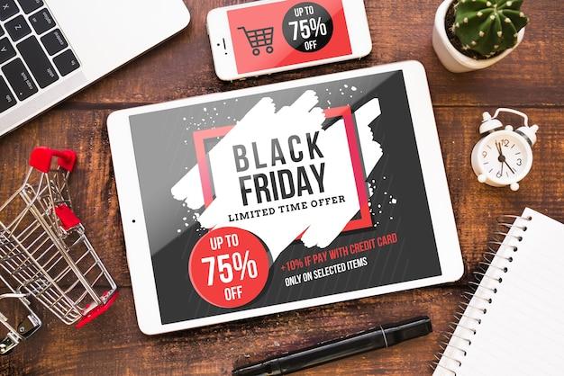 Maquete de sexta-feira negra com tablet