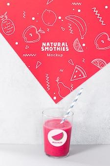 Maquete de smoothie de melancia delicioso