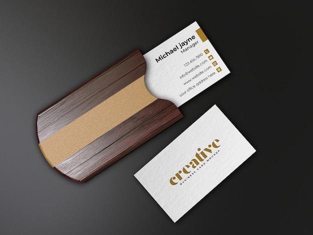 Maquete de suporte de cartão de visita de madeira realista