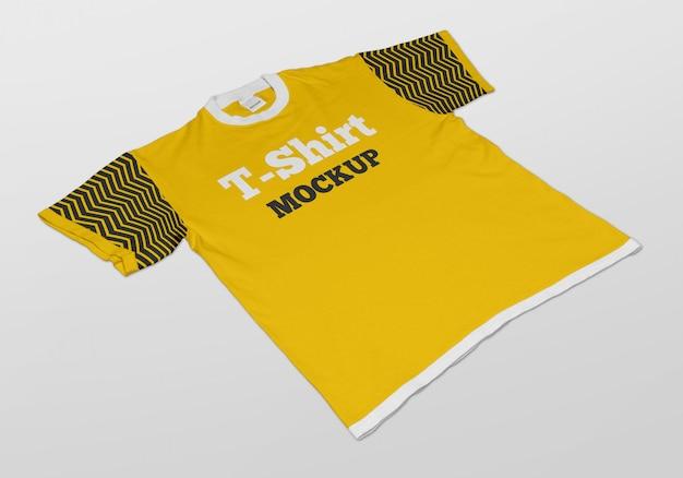 Maquete de t-shirt de manga curta para homem