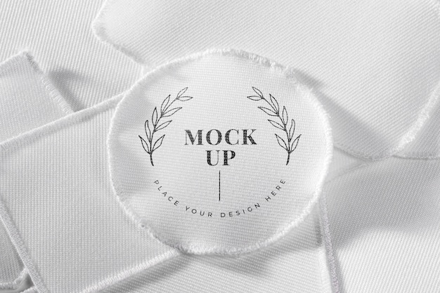 Maquete de tecido em remendo de roupa branca