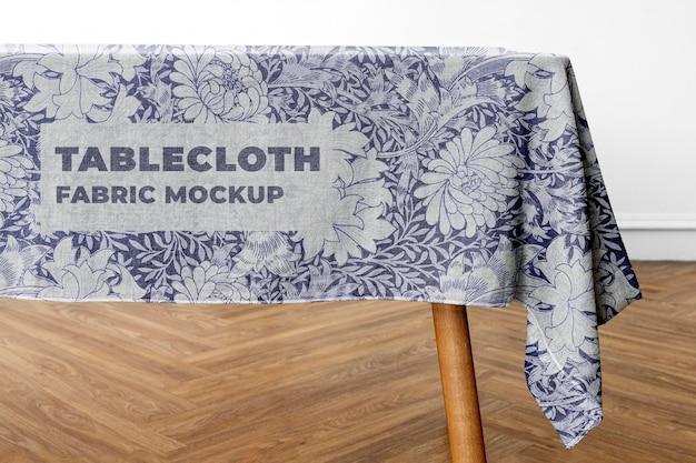 Maquete de toalha de mesa na sala de jantar