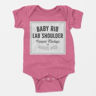 Maquete de trepadeira de ombro de colo de bebê