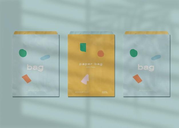 Maquete de três sacos de papel