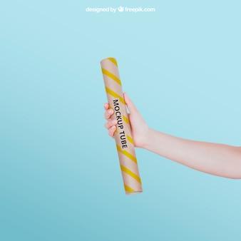 Maquete de tubo amarelo