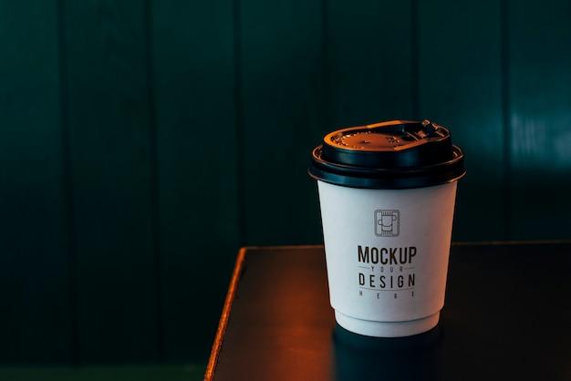 Maquete de uma xícara de café descartável