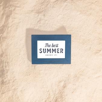 Maquete de verão com elementos marinhos