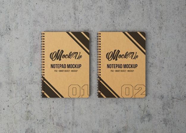 Maquete de vista superior de dois cadernos