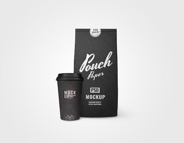 Maquete de xícara e bolsa preta realista