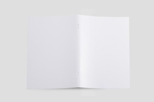 Maquete desdobrada da capa do folheto vista superior