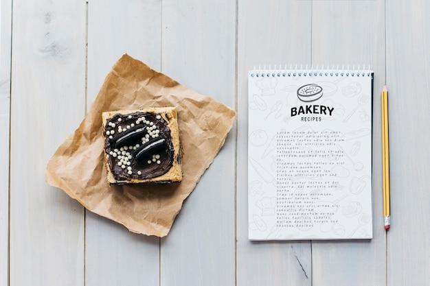 Maquete do bloco de notas com conceito de cozinha e receita