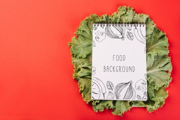 Maquete do bloco de notas na salada
