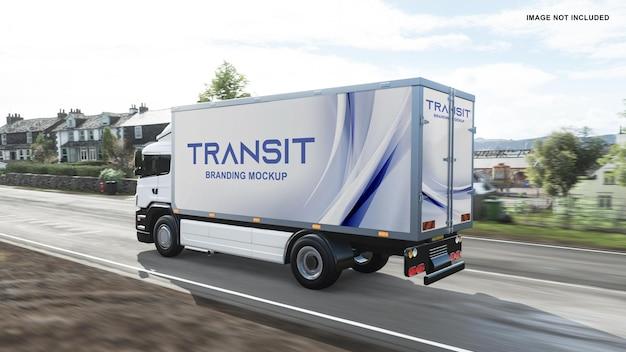 Maquete do caminhão com vista esquerda na estrada