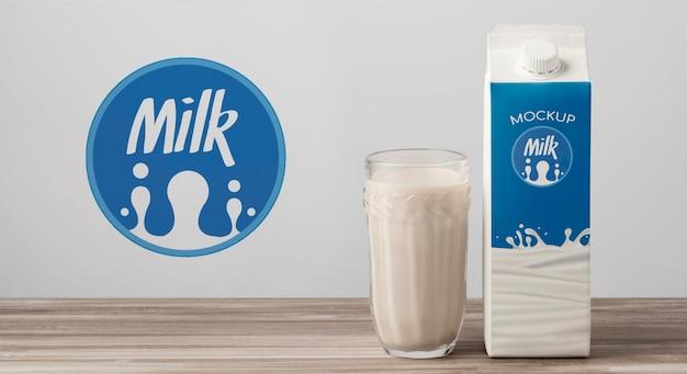 Maquete do conceito de garrafa de leite