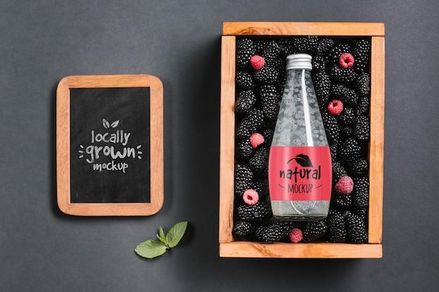 Maquete do conceito de suco e smoothie