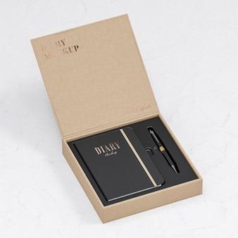 Maquete do diário de couro preto em caixa de papelão bege para logotipo e apresentação da marca 3d render