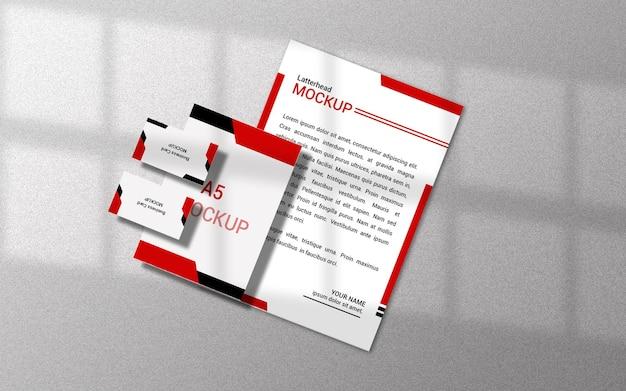 Maquete do latterhead com cartão de visita