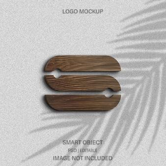Maquete do logotipo com textura de madeira realista