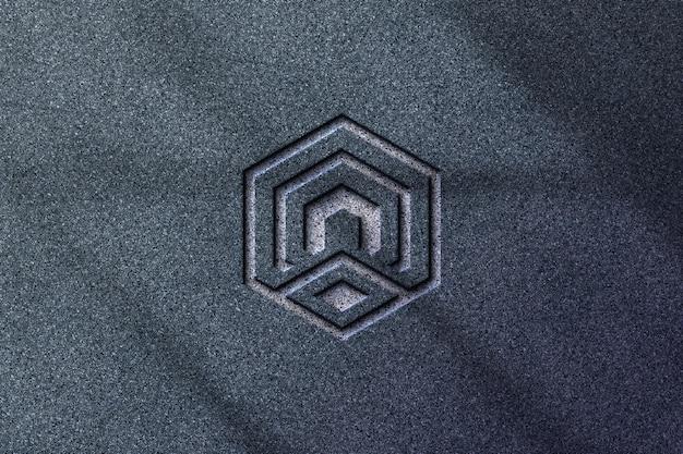 Maquete do logotipo da empresa com logotipo em relevo